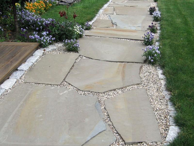 Irregular Bluestone Walkway